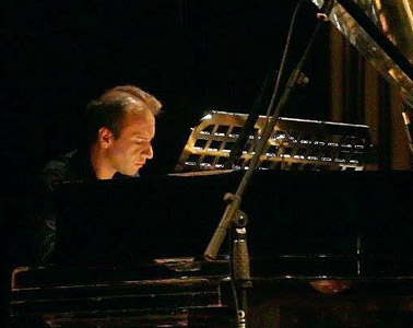 Daniel Vásquez – Concertista en piano