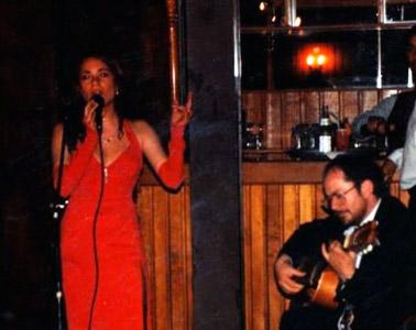 Carolina Martínez – Composición y canto